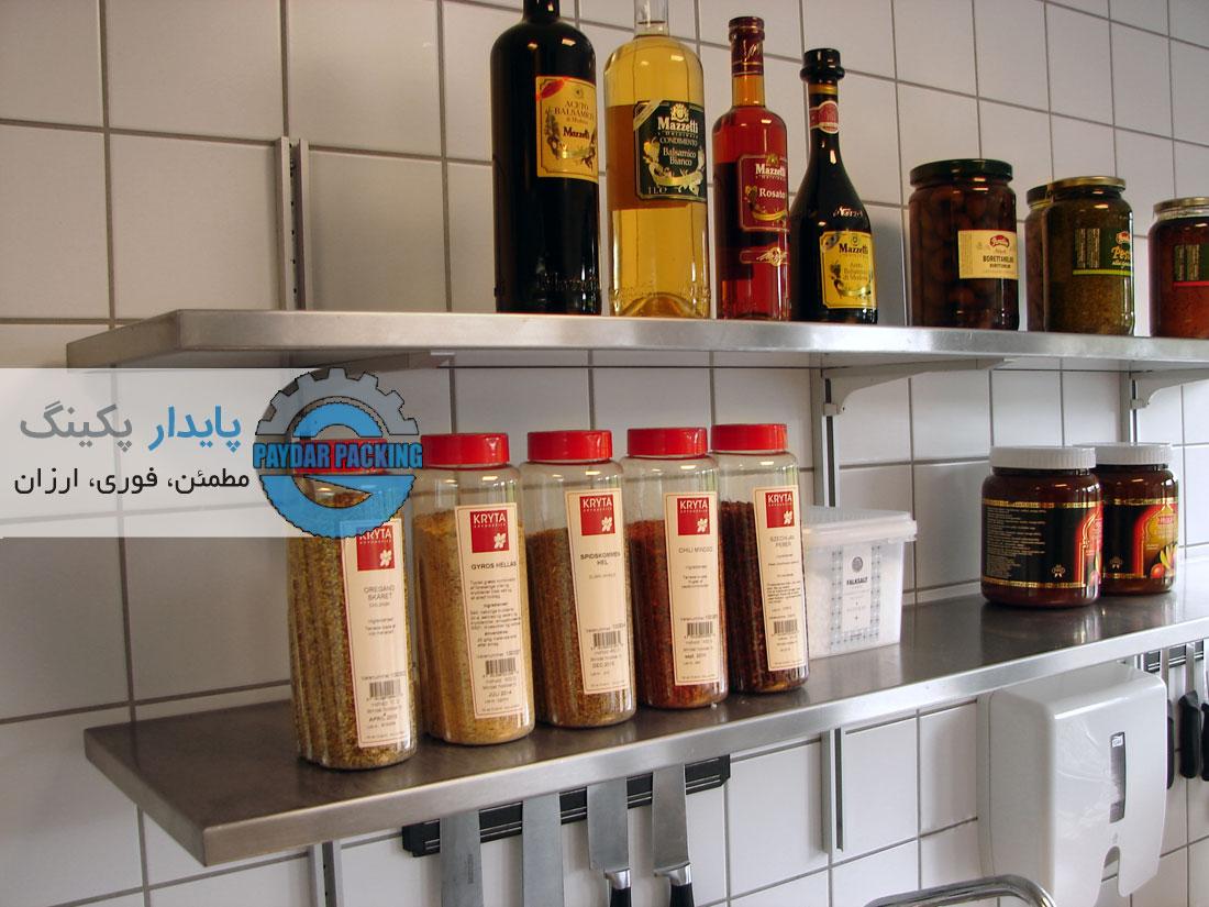 استفاده از فضای دیوارها در آشپزخانه صنعتی